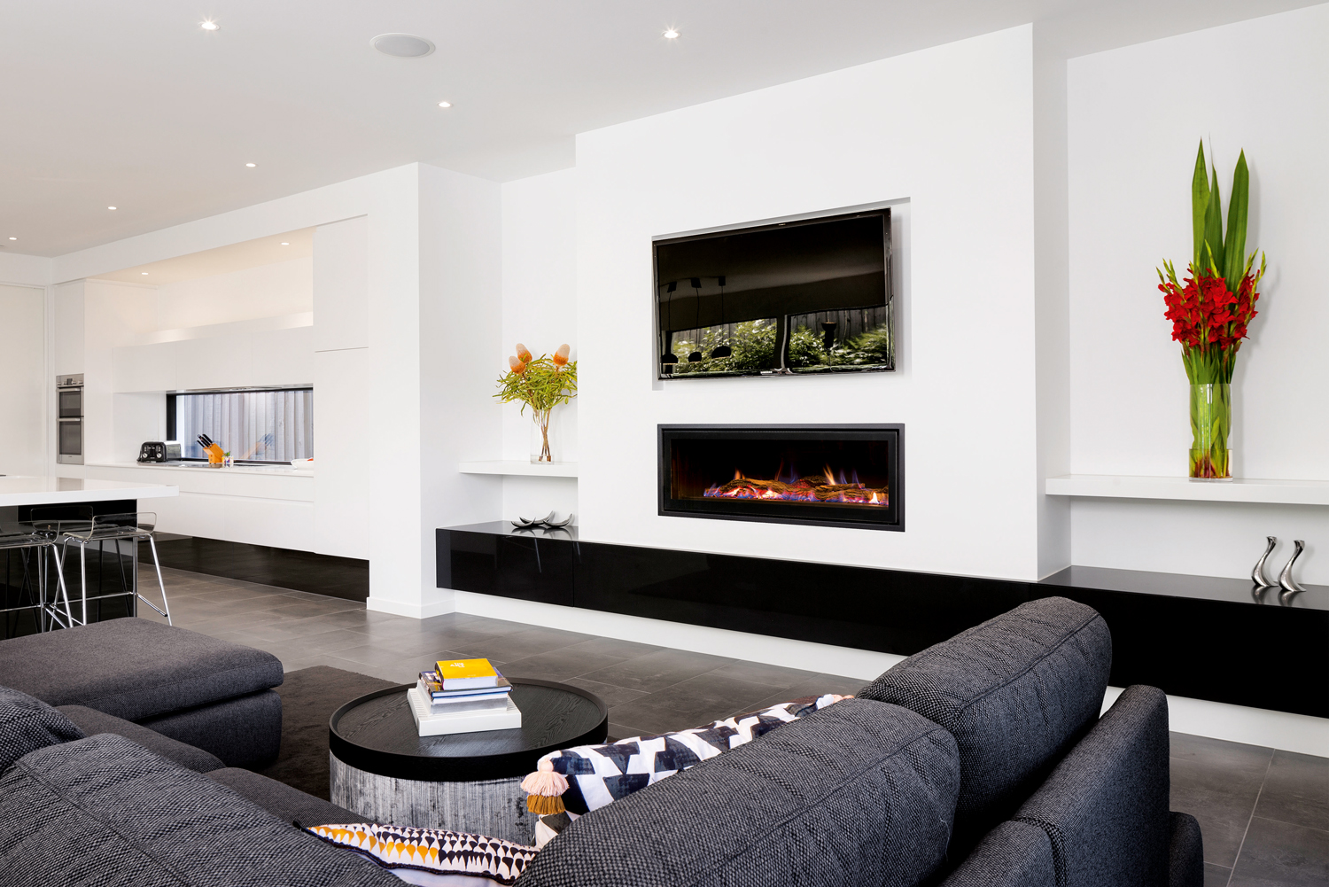 Gas And Open Wood Fireplaces Examining The Difference