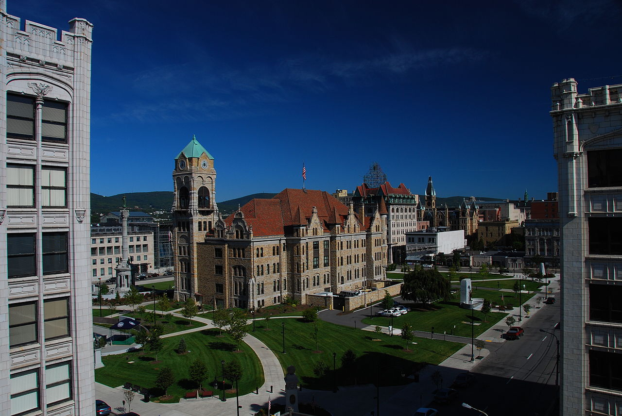 1280px-Courthouse_Square