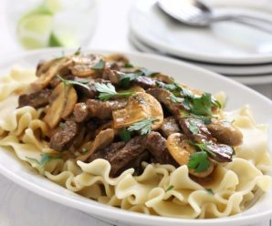 One Pot Weeknight Beef Stroganoff