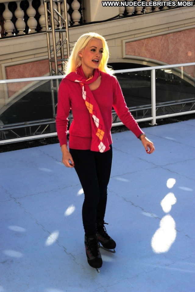 Holly Madison Spandex Playmate Stunning Slender Athletic Hot