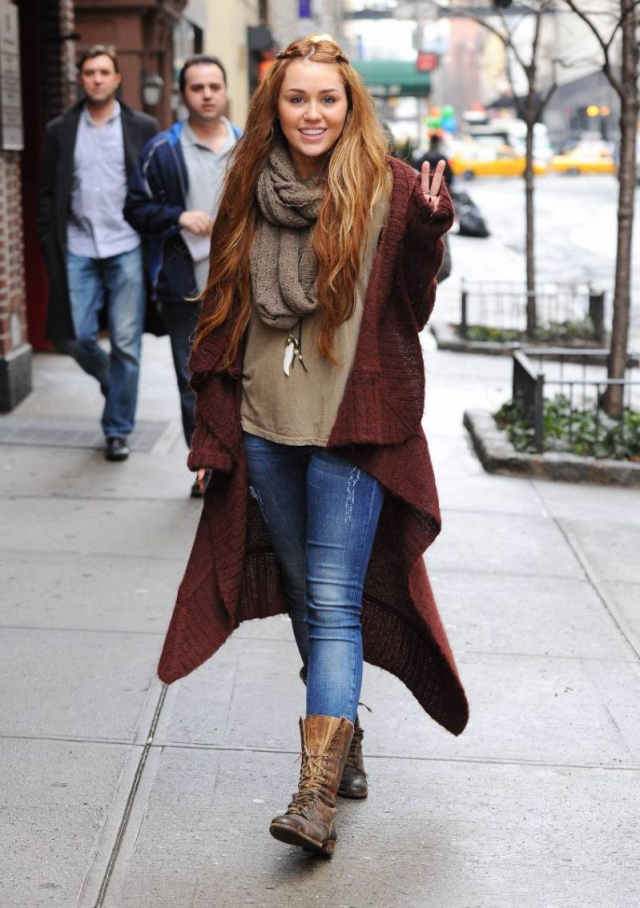 Several Celebrities Jeans Boots Stunning Athletic Slender
