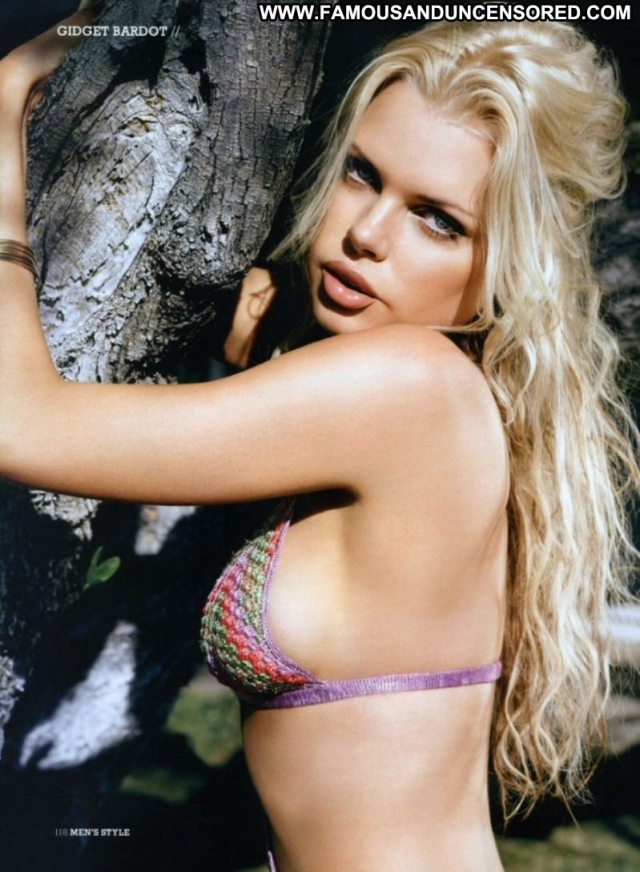 Sophie Monk Blue Eyes Beautiful Actress Bombshell Blonde Doll Sexy