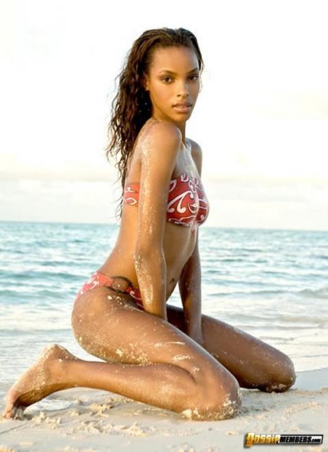 Quiana Grant Booty Ebony Hollywood Ethnic Stunning Bikini