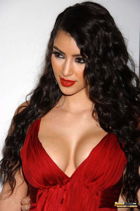Kim Kardashian Scandal Reality Star Bikini Athletic Slender