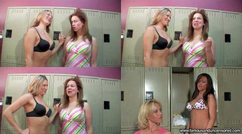 Amy Pelletier Nude Sexy Scene Car Wash Bikini Bra Car Famous