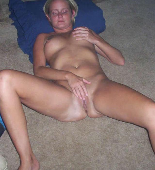 Paulette Fingering Friends Twat Orgasm Showing Ass Private