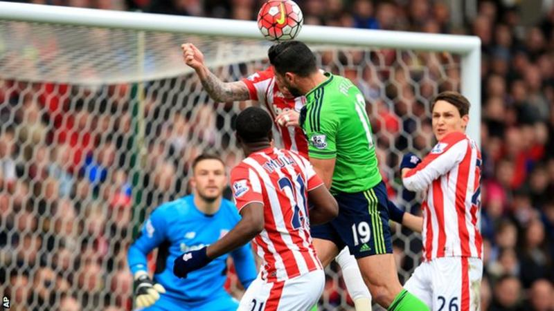 Pelle's Double Secures Win For Southampton Against Stoke