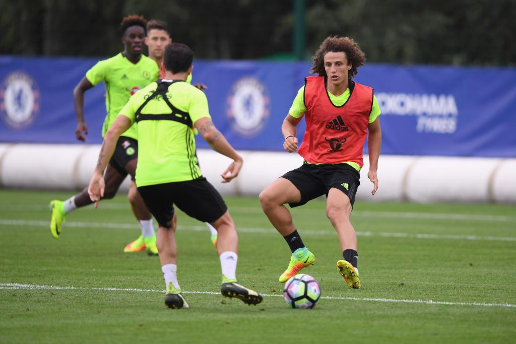 Mikel, Moses Join David Luiz In Chelsea Training