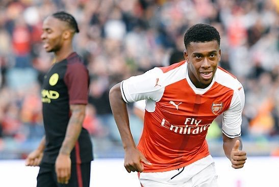 Arsenal Fans Disappointed With Iwobi's Performance Vs Spurs.