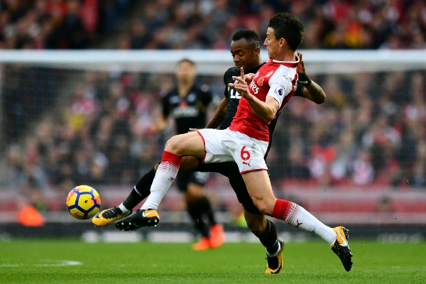 Wenger Unhappy With Arsenal Defence Despite Win Over Swansea