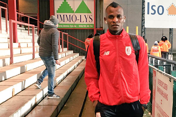 Agbo Sent Off In Standard Liege Defeat, Ambrose's Hibs Hold Hearts