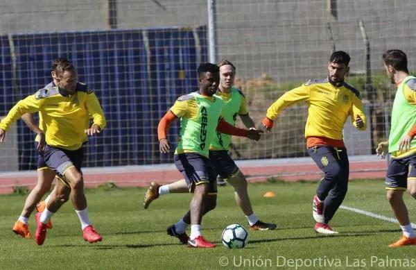 Emenike Doubtful As Etebo, Ezekiel Train With Las Palmas Squad For Barca Clash