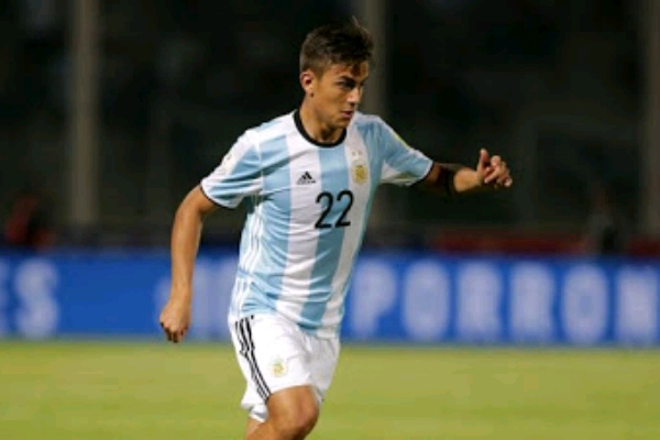 Argentina Coach Sampaoli Threatens To Drop Dybala, Icardi From World Cup Squad