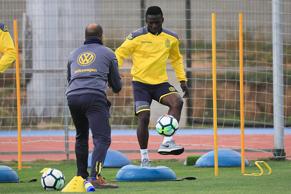 Etebo Back In Las Palmas Training After Injury