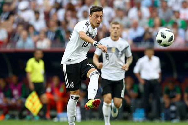 Russia 2018: Germany Players Hold Crisis Meeting; Former Stars Want Ozil Dropped