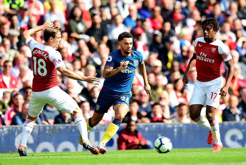 Iwobi Subbed Off In Arsenal Win Over West Ham; Ndidi, Iheanacho Win With Leicester 