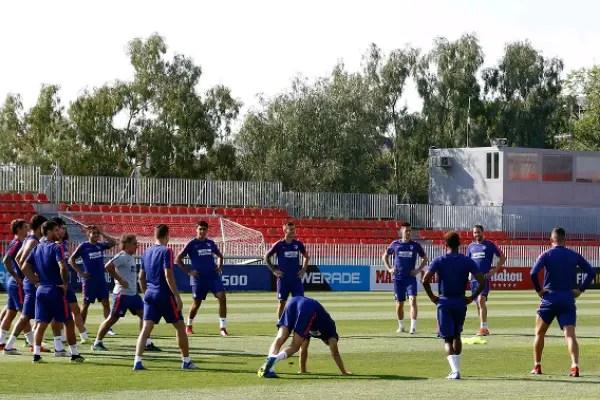 Simeone Sticks With Atletico Winning Team For Top LaLiga Clash Vs Valencia
