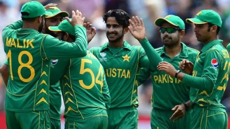 Pakistan Need Seven Wickets For Aussie Scalp