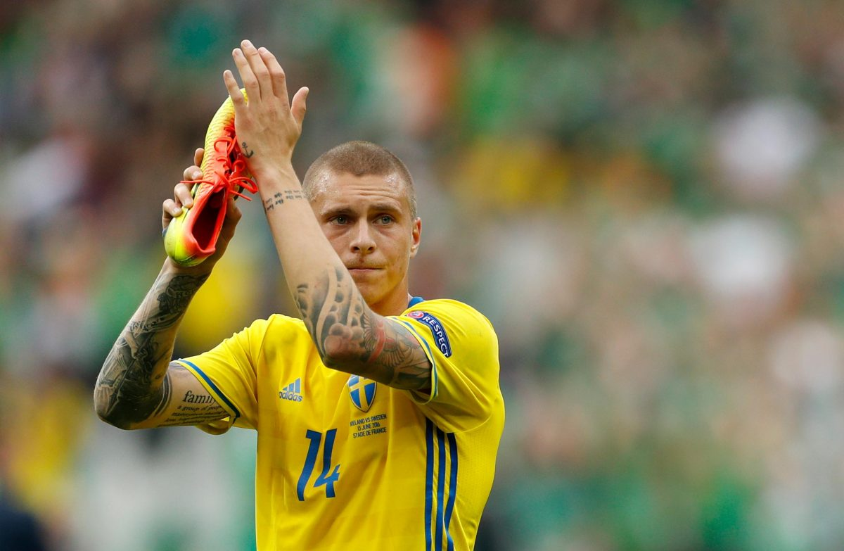 Lindelof Suffers As Sweden March On