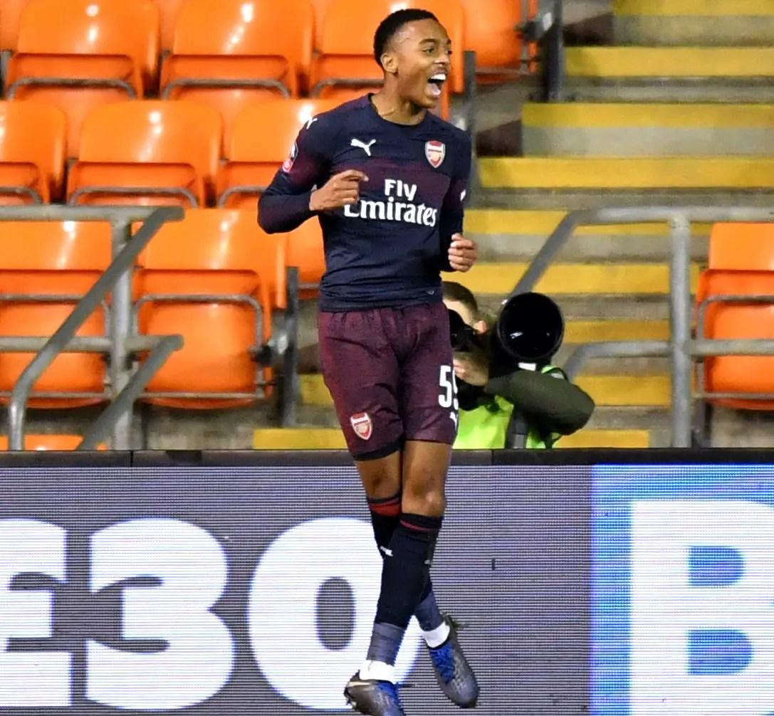 Emery Salutes Gunners Fringe Stars