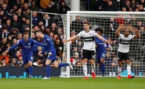 Higuain, Jorginho Score As Chelsea Beat Fulham 2-1
