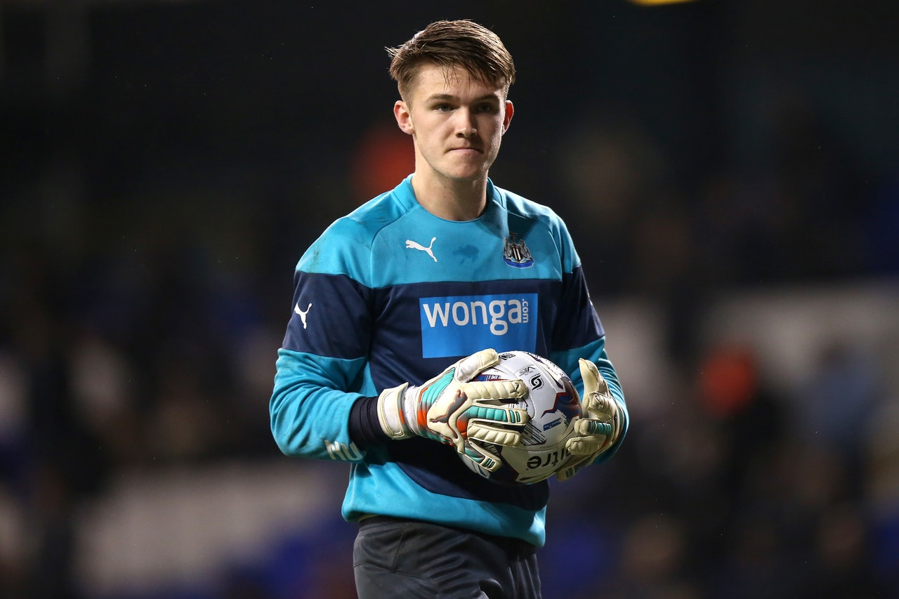 Fulham Face Fight To Land Keeper Target
