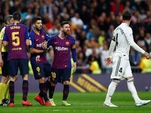 Barcelona Edge Real Madrid At The Bernabeu