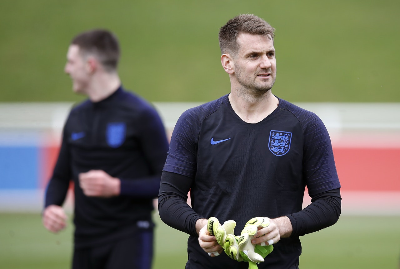 Heaton Eager To Give Southgate Tough Decision