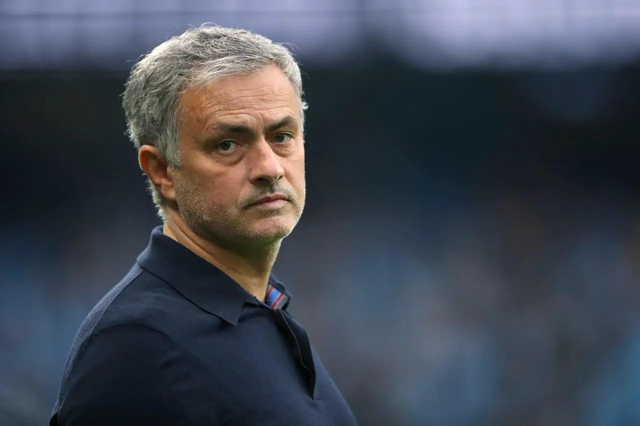 Real Players Against Mourinho Return