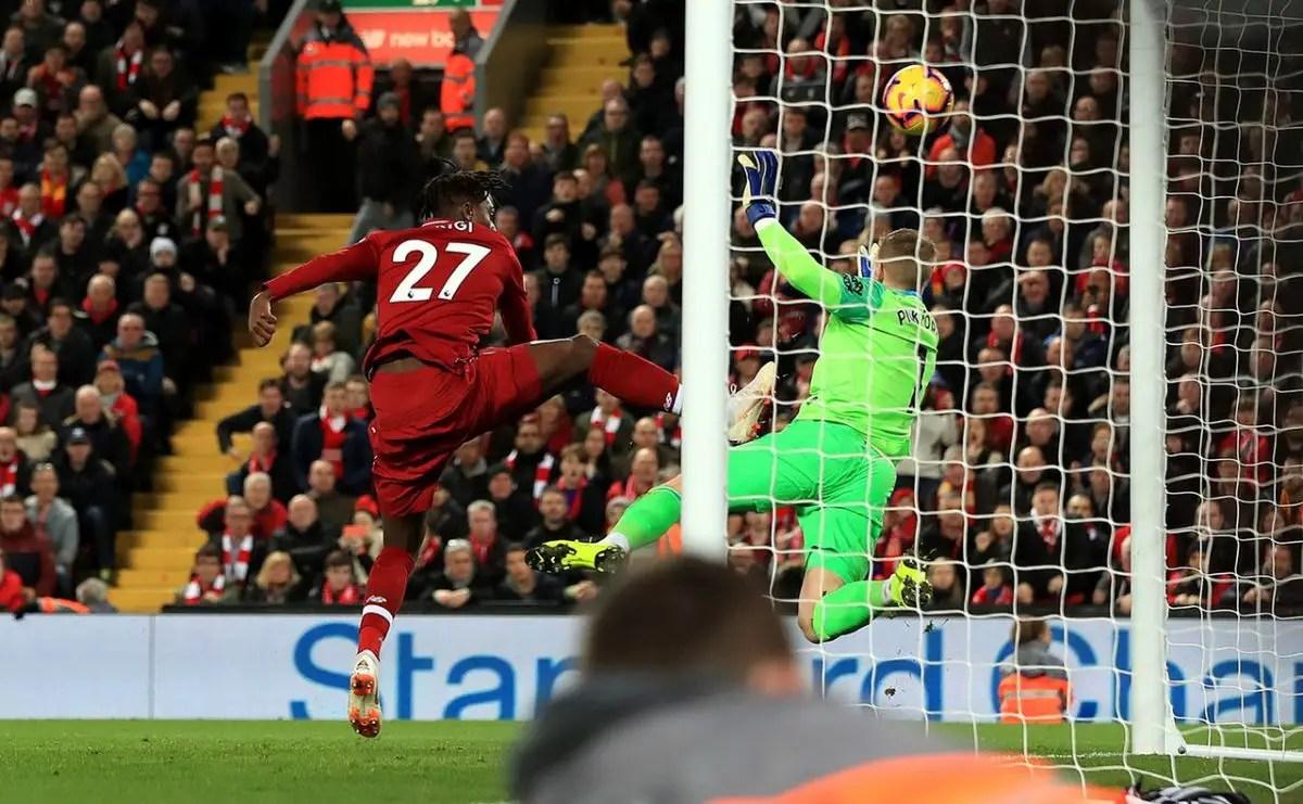 Silva Talks Up Pickford Form
