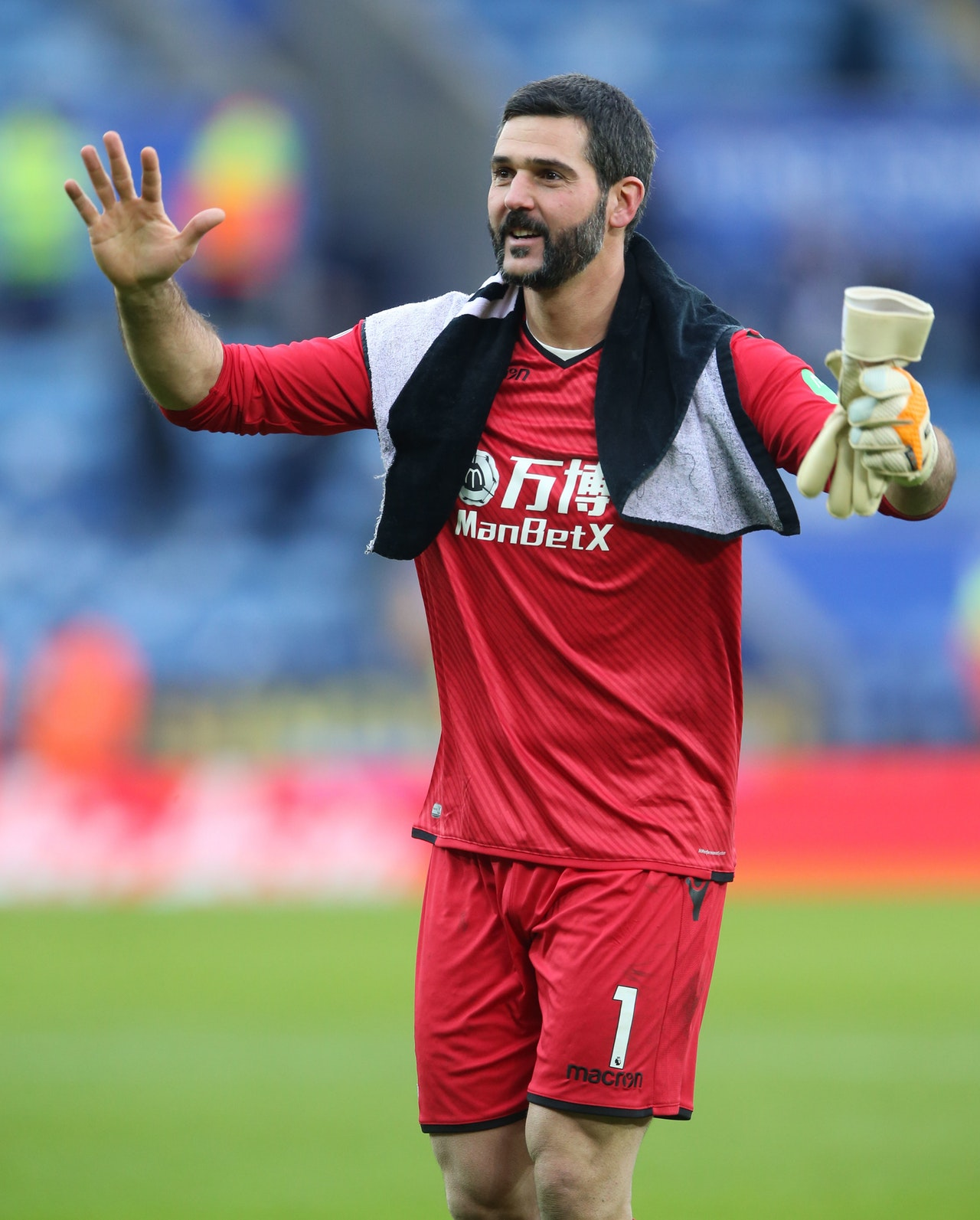 Speroni Pays Tribute To Eagles Fans