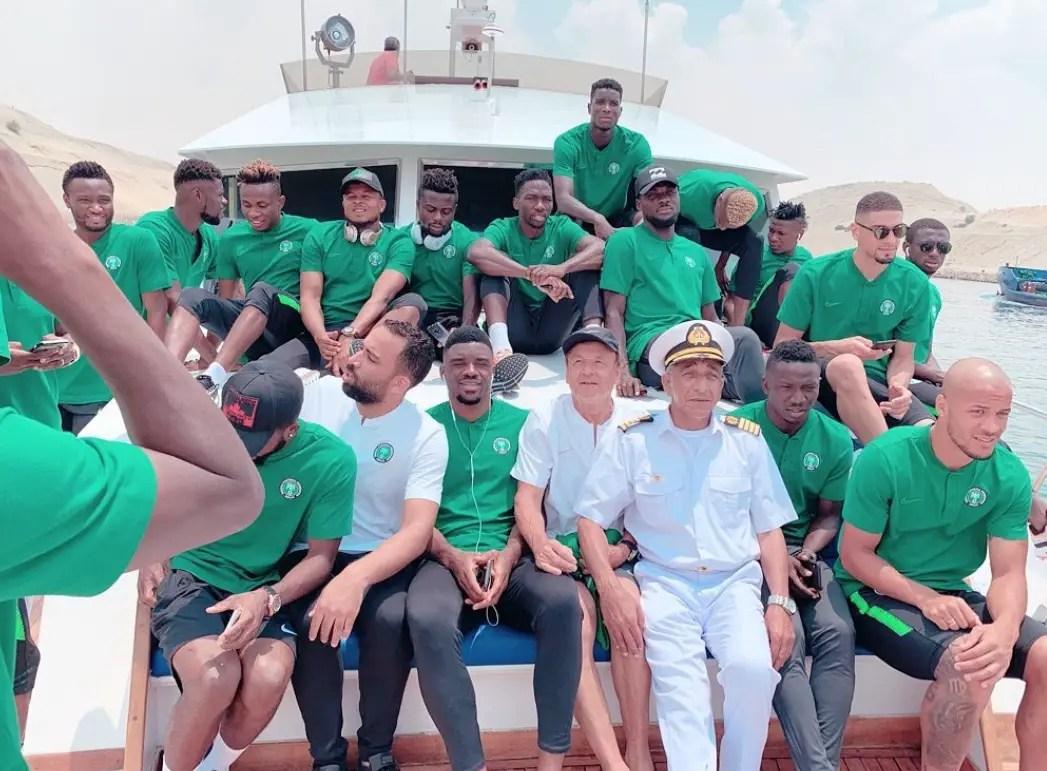 Super Eagles Unwind; Enjoy Boat Cruise In Ismailia Ahead AFCON 2019