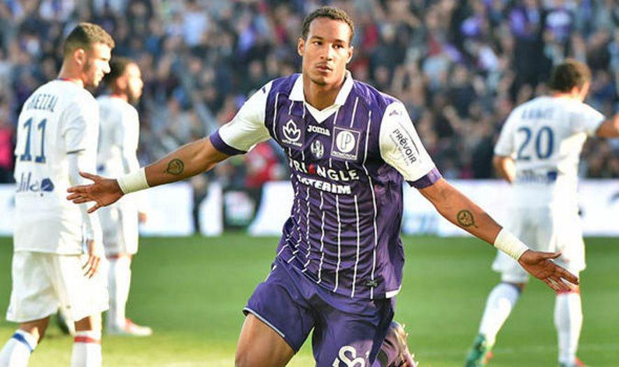 Toulouse Defender Nearing Exit