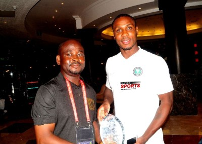 odion-ighalo-complete-sports-celebrity-workout-recognition-award-super-eagles