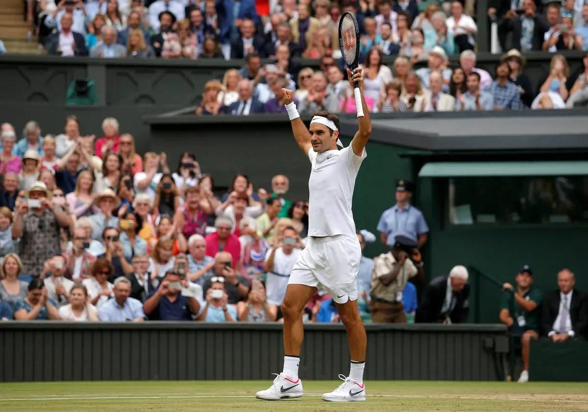 Federer Avoids Scare To Go Through