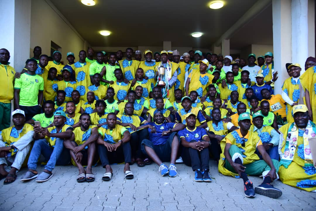 Ganduje Splashes Cash Gifts On Kano Pillars  Players  For Aiteo Cup Success