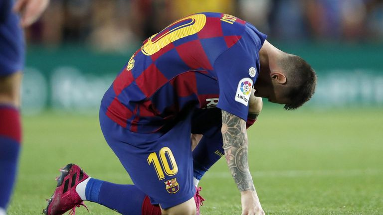 Barcelona Face Anxious  wait On Messi Injury