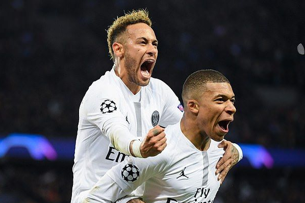 Mbappe: I'm Not Aiming to Outshine Neymar; I Compete Against Messi