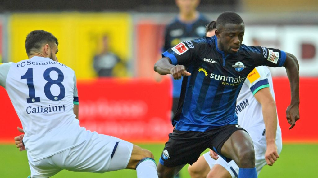 Collins Faces Tough Test vs Bayern in  20th Bundesliga Appearance