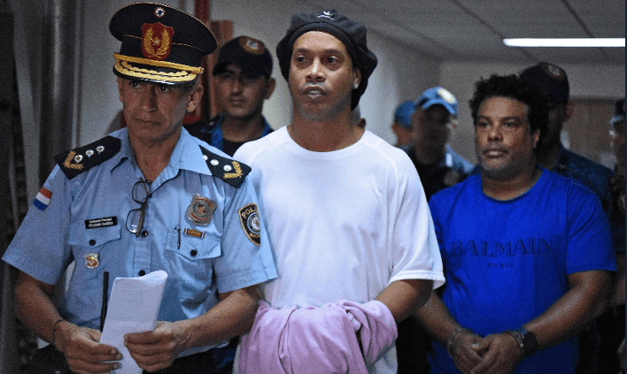 Paraguayan Judge Orders Ronaldinho To Remain In Prison