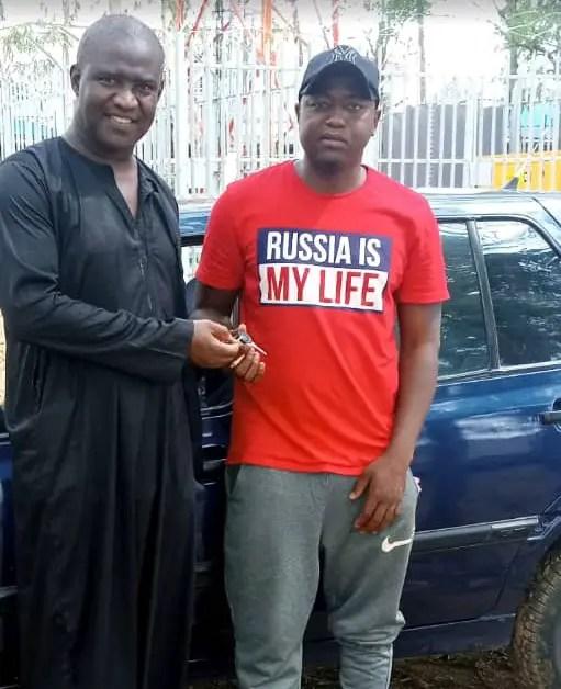 Akwuegbu Gives Away Four Cars To Ex-Footballers As Covid-19 Palliative