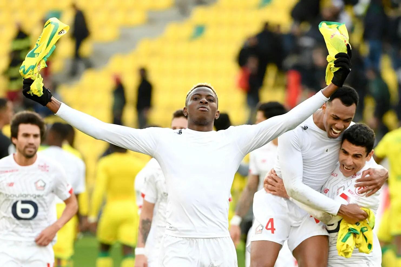 Photo of Simon Congratulates Osimhen On Best African Player In Ligue 1 Award