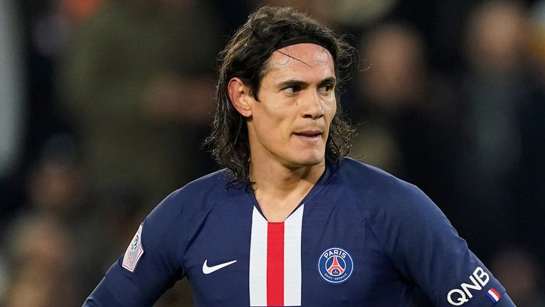 Ex-England Striker Wants Arsenal To Replace Aubameyang With Cavani