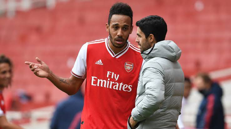 Aubameyang Drops Hint Over New Arsenal Contract