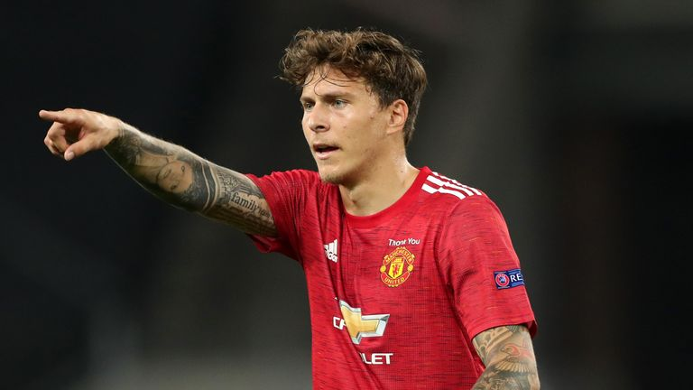 Lindelof Catches Thief Who Snatched Bag From Elderly Woman