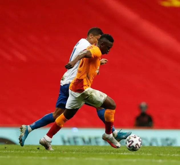 Etebo Celebrates Galatasaray's Europa League Play-off Qualification
