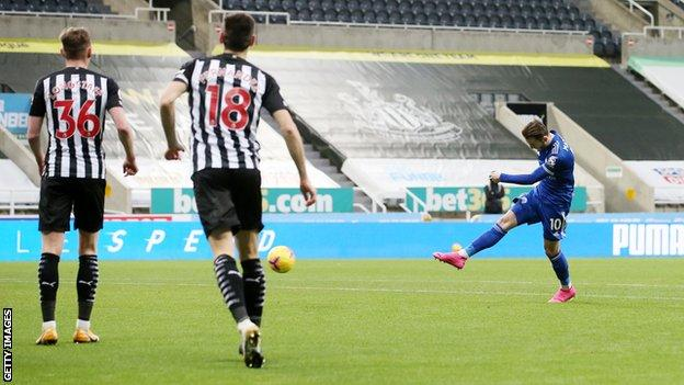 Premier League: Ndidi Shines, Iheanacho Benched As Leicester Pip  Newcastle Away