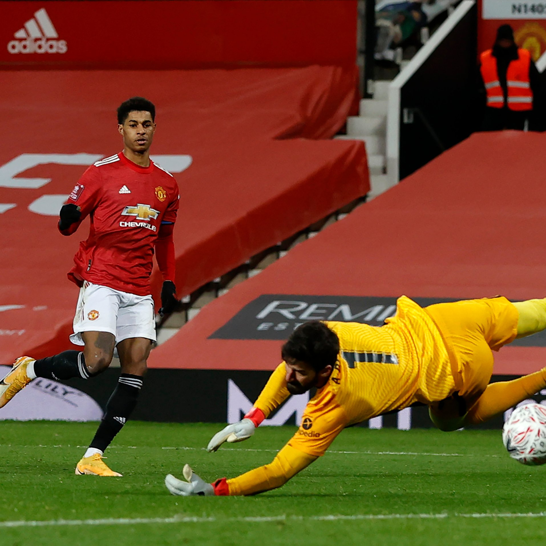 FA Cup: Manchester United Floor Liverpool In Pulsating Fourth-Round Tie