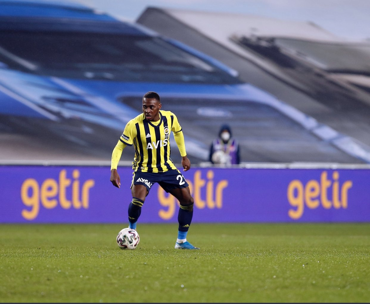 Rangers Submit Bid For Osayi-Samuel