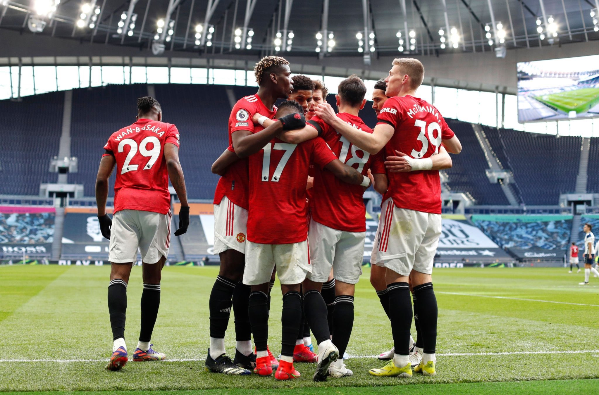 Premier League: Man United Come From Behind To Beat Spurs, Stretch Unbeaten Away Run